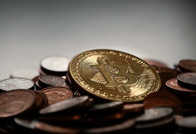 Bitcoin can follow the pattern of gold fractals, a fall to a price of 100 million rupees may occur