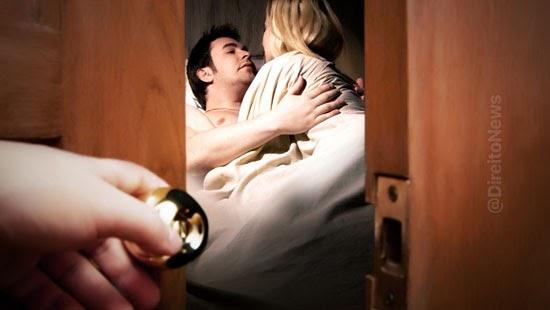 traicao residencia casal indenizar danos morais