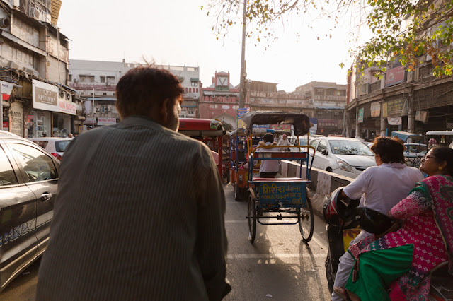 old delhi rickshaw ride people in the market india