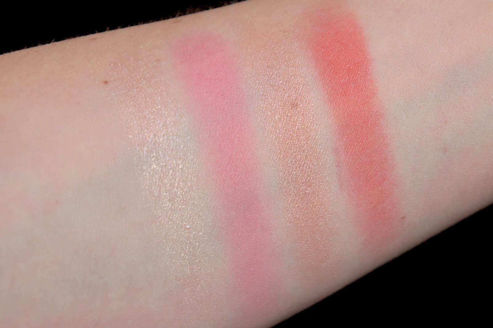 chantecaille chic cheek palette duo coral rose swatch
