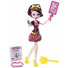 MH Freaky Fusion Draculaura Doll