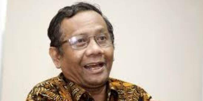 Ancam Tuntut KPK ke Pengadilan HAM Internasional, Pengacara Novanto Diketawai Mahfud MD
