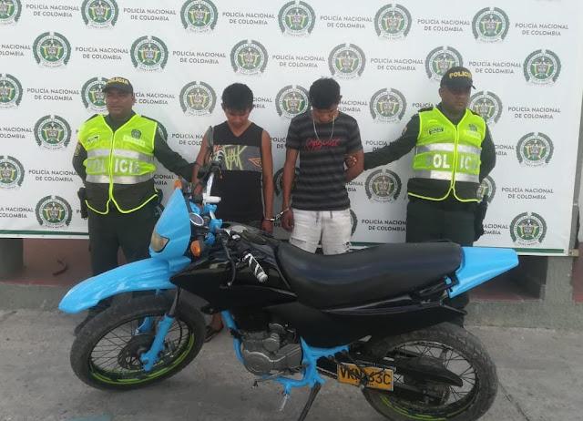 Violaron el candado de la puerta de una casa para robarse una moto