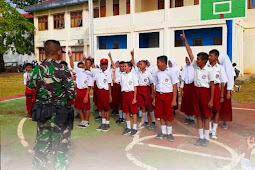 Satgas Yonif 734 gelar Kegiatan Bela Negara ke Calon Pelajar SMPN 1 Pulau Morotai