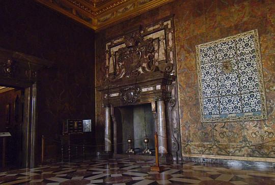 Zamek Królewski na Wawelu. Sala pod Ptakami.