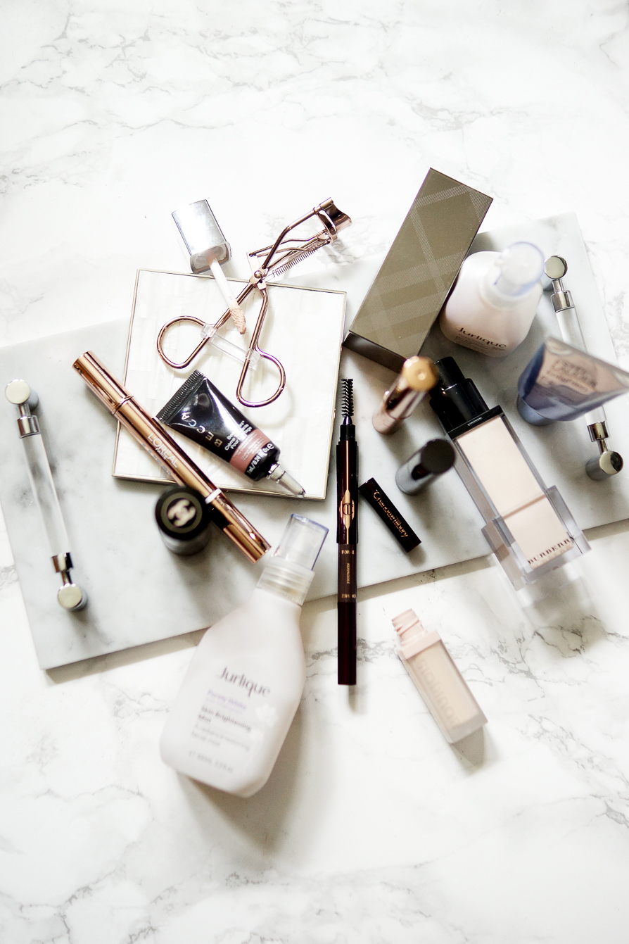 beauty-lifestyle-flatlay-photography-how-to-look-younger-tips