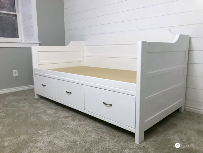 beautiful diy daybed with storage drawers