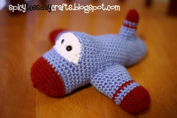 027 Amigurumi plane pattern. Crochet little airplane. Gift for Dad ... | 400x600