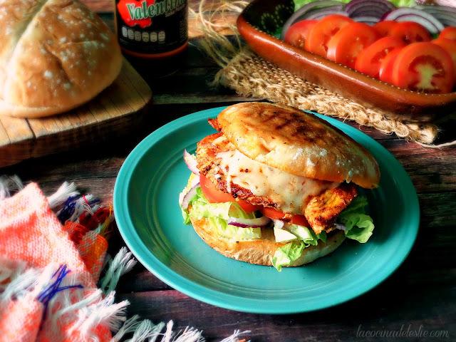 Buffalo Chicken Torta - lacocinadeleslie.com