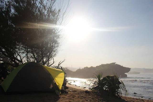 harga tiket masuk pantai sarangan, Gunungkidul, Yogyakarta, rute perjalanan ke Pantai Sarangan, camping di pantai sarangan Gunungkidul