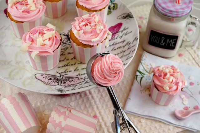 Cupcakes de sabor a helado de fresa o frigopie
