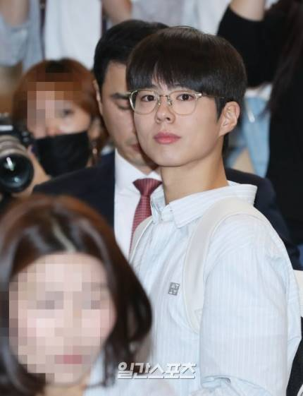 Park Bo Gum Gimpo Airport 18 May 2019 ( He went to Japan for Osaka