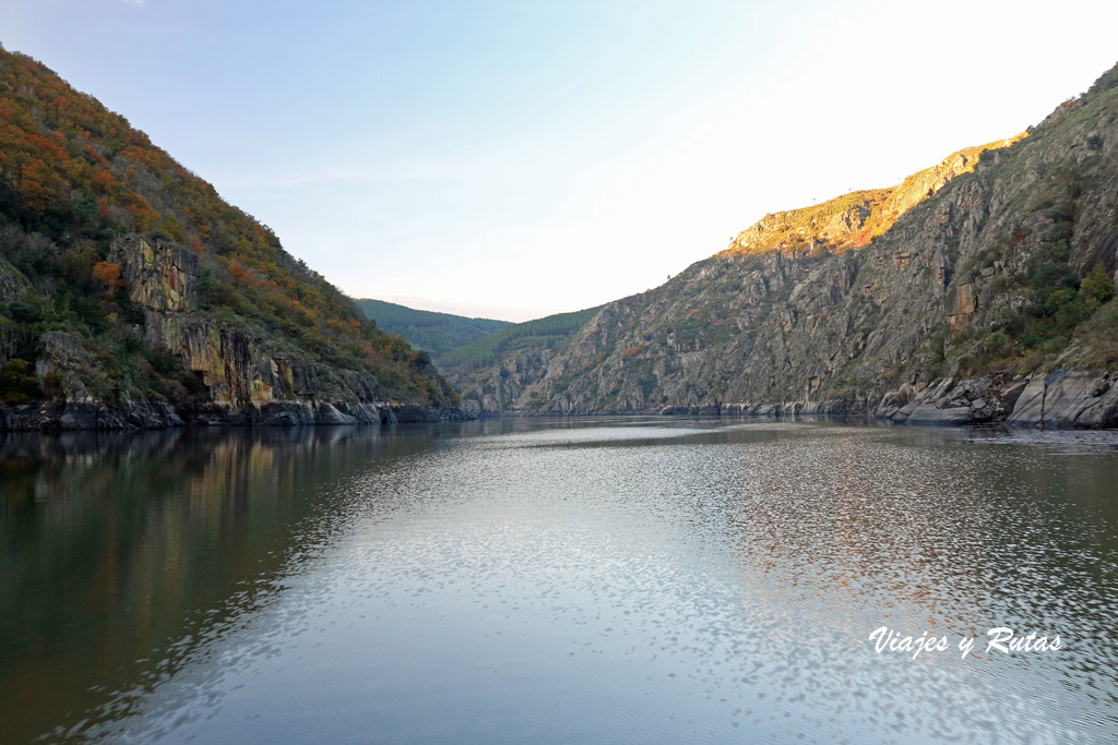 Paseo en barco por el Cañón del Sil en la Ribeira Sacra