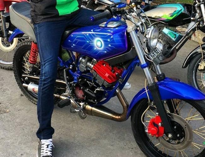 Modifikasi Rx King Warna Biru Polos Metalik Tosca Muda