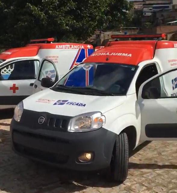 Prefeita Mary Gouveia entrega a população de Escada mais duas novas ambulâncias