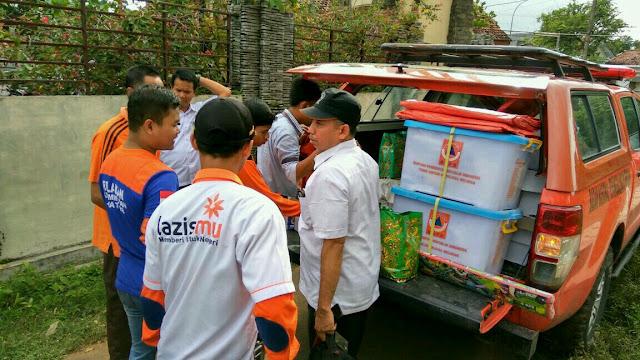 Koordinasi antar relawan yang akan melakukan distribusi logistik untuk korban bencana