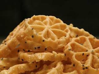 Resep Kue Kembang Goyang Wijen Yang Renyah Dan Gurih