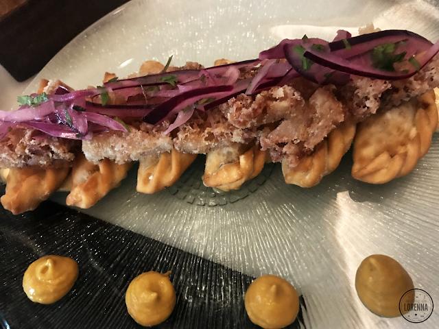 Gyozas de manitas de cerdo y carne criolla