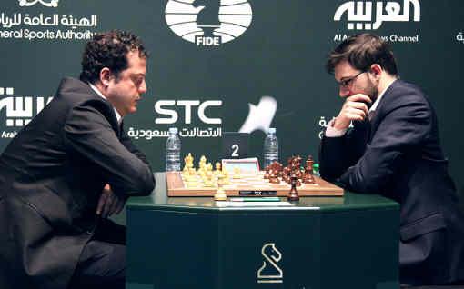 Journée très difficile mardi pour le meilleur joueur d'échecs français Maxime Vachier-Lagrave (à droite) avec 3 défaites et 2 gains - Photo © site officiel