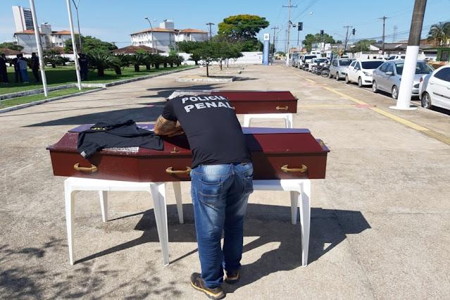 Policiais Penais de Rondônia realizam manifestação em frente a ALE/RO; Veja fotos
