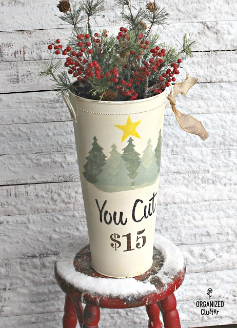 You Cut Tree Farm Stenciled Christmas Vase #Oldsignstencils #stencil #Christmas