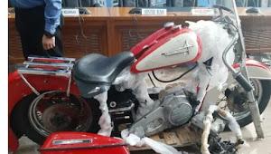 SAS bawa motor Harley Davidson klasik, Diduga diselundupkan: Negara dirugikan hingga 1,5 miliar