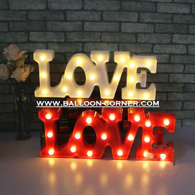 Lampu LED Bentuk Tulisan LOVE