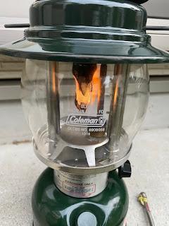 プレヒートによって燃えるマントル