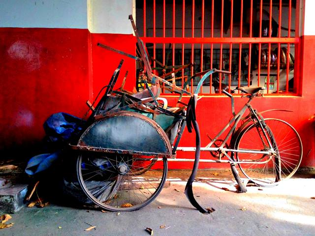 The wreckage of becak