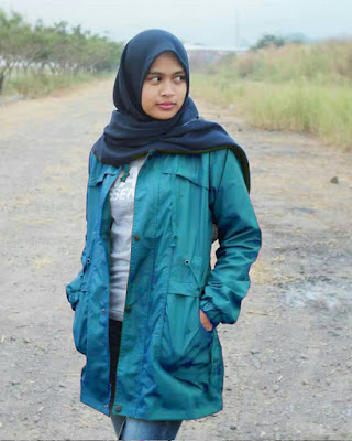 cewek manis dan seksi Tombi Hijab manis