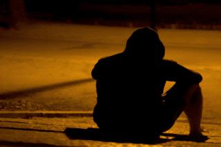 puisi pendek sedih menyentuh hati