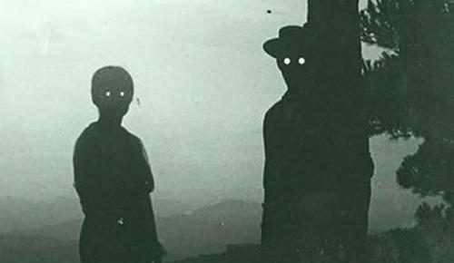 Kaliforniya'nın Karanlık Gözlemcileri