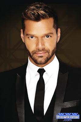 قصة حياة ريكي مارتن (Ricky Martin)، مغني بوب بورتوريكي، من مواليد 1971