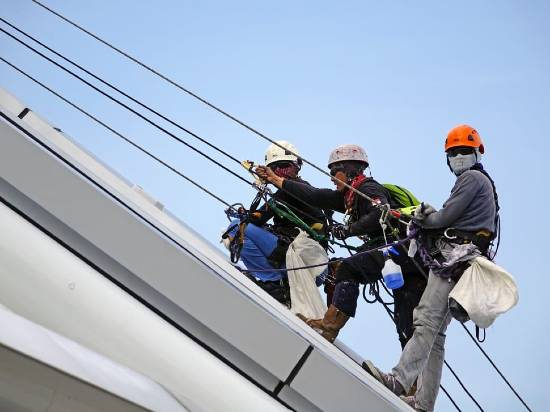 Safety Toolbox Talk on working at height safety