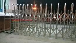 204200030920 thumb Cột cờ inox 304 cao 9m 10 m 11m 12m, cổng xếp inox 304 , cổng xếp sắt không ray kéo tay