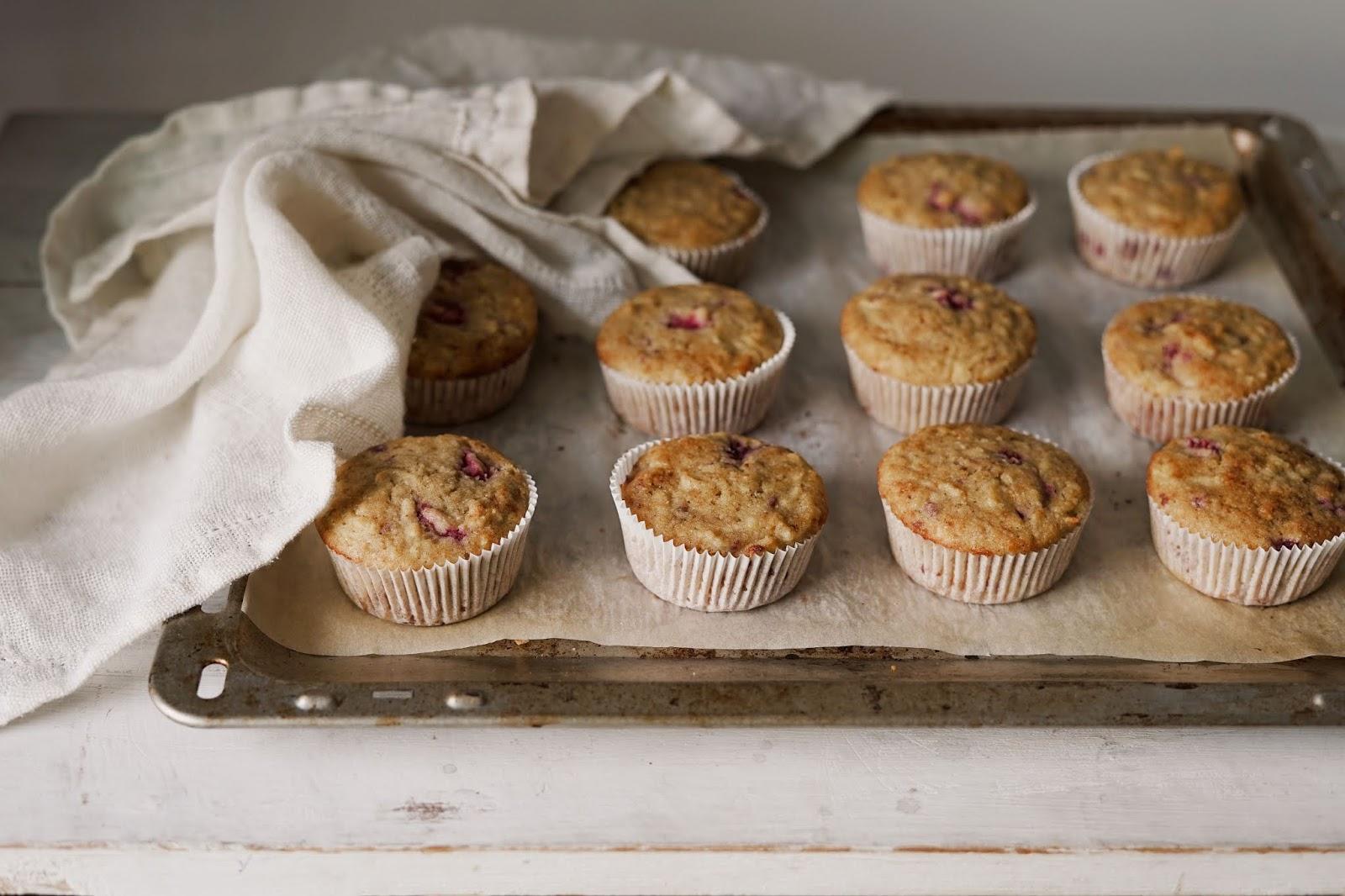 Muffiny jabłkowe z malinami