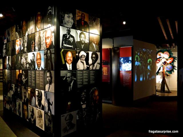 Personalidades que se destacaram na luta contra o racismo, no Museu da Escravidão de Liverpool