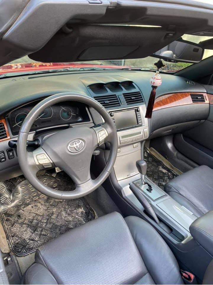 Toyota Camry phiên bản mui trần giá hơn 500 triệu tại Việt Nam