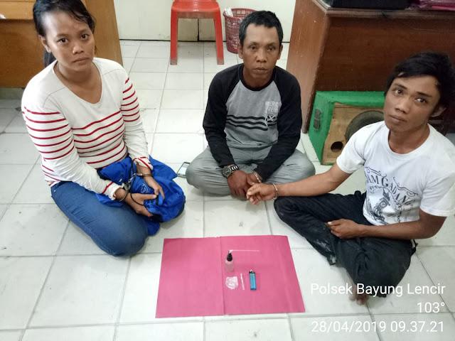 1 Wanita 2 Pria Tertangkap Asyik Nyabu
