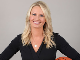 Picture of American sports reporter Sarah Kustok
