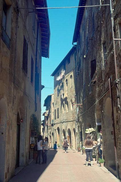 uliczki w centrum San Gimignano, co zobaczyć?