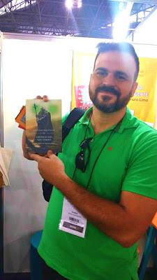 http://produto.mercadolivre.com.br/MLB-793446460-livro-crnicas-dos-sois-verdes-a-ascenso-do-necromante-_JM