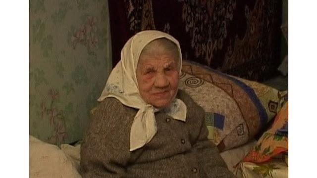 Ухаживаю за бабулей, иногда появляется желание вылить суп ей на голову