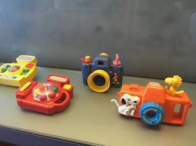 Câmeras de brinquedo coloridas para crianças pequenas, uma câmera do Snoopy