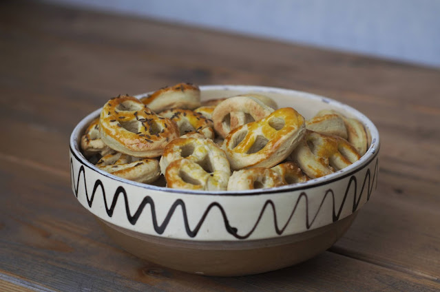 Mini-pretzels