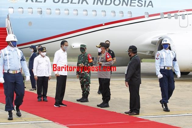Kapolda Kalteng Sambut Kedatangan Presiden di Bandara