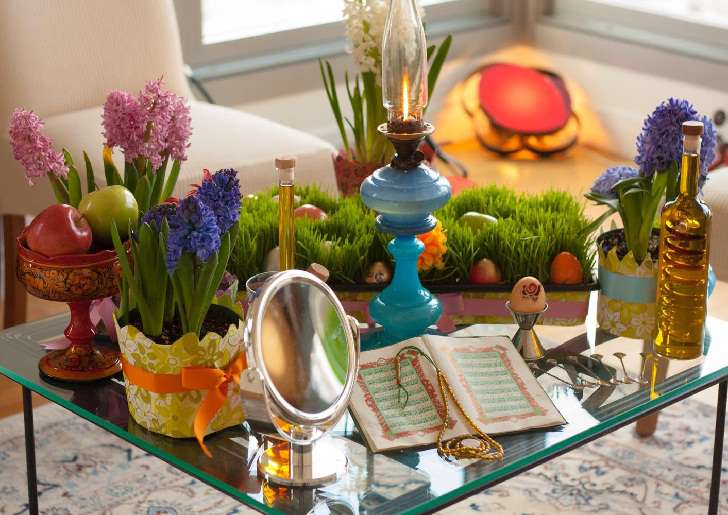 Nowruz = Tahun Baru Iran / Persia