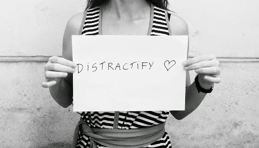 What is a Startup? Meet today's hot startup: Distractify