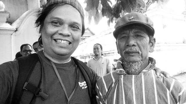 Saya dan pak Kelik menyempatkan berswafoto seusai bincang-bincang seputar Sasono Hinggil