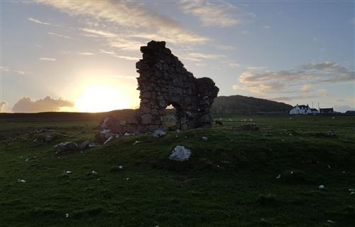 Kỳ lạ: Tìm thấy túp lều của vị thánh mang đạo Kitô đến Scotland